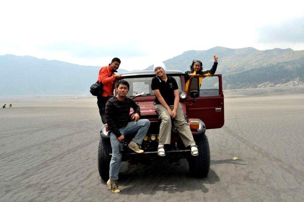 kami dan jeep. sansan, indri, herdi, adhib