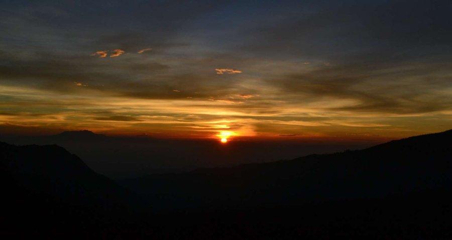 matahari terbit di bromo