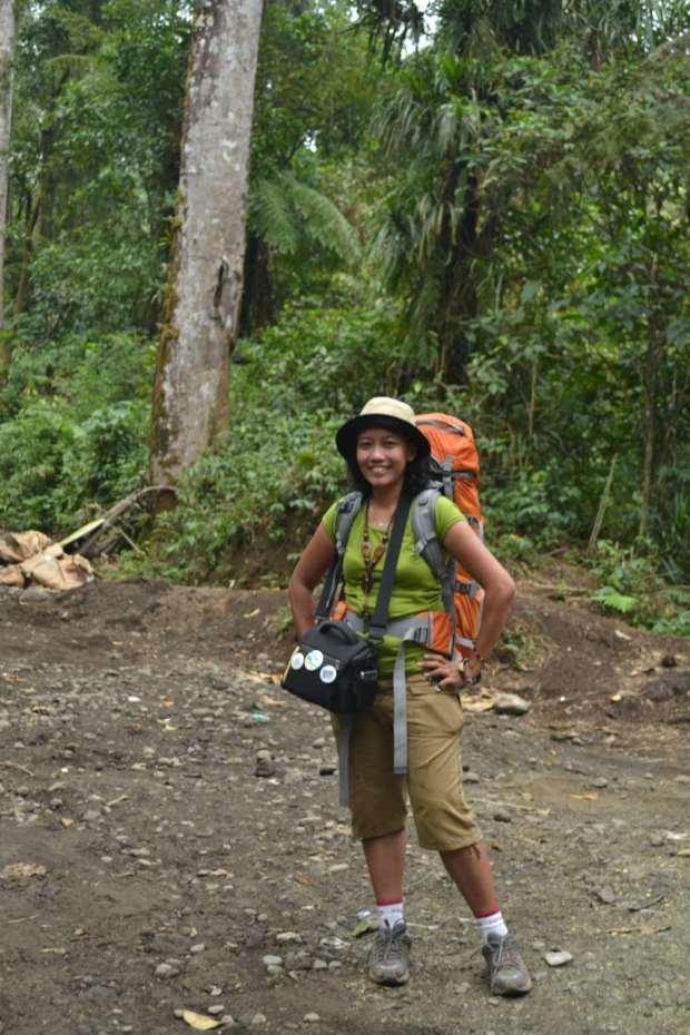 turis tengah hutan