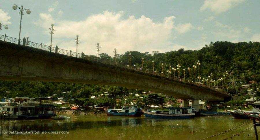 waterfront di jembatan sitti nurbaya