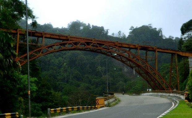 jembatan kereta api sumatera