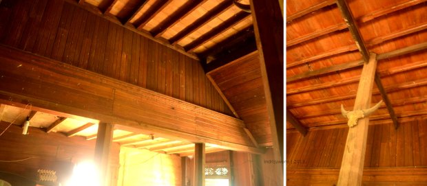 langit-langit kayu yang di atasnya untuk tempat menyimpan barang