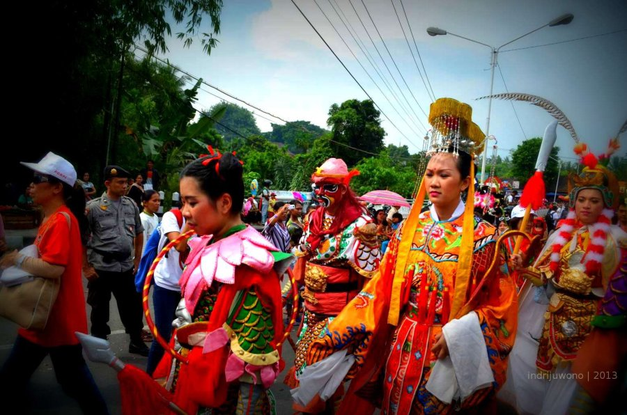iringan khas pakaian tradisional