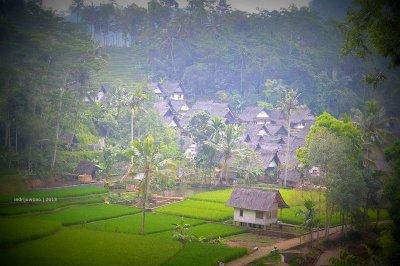 kampung naga dari satu celah pandang