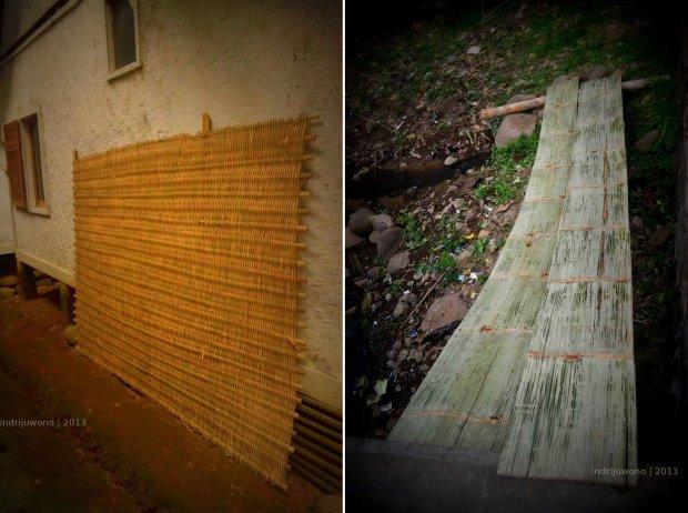 persiapan membuat rumah : dinding anyaman, dan bambu belah untuk alas dapur