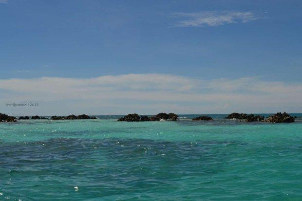 gugusan atol