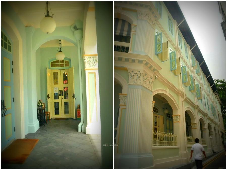 arcade di samping dan depan bangunan