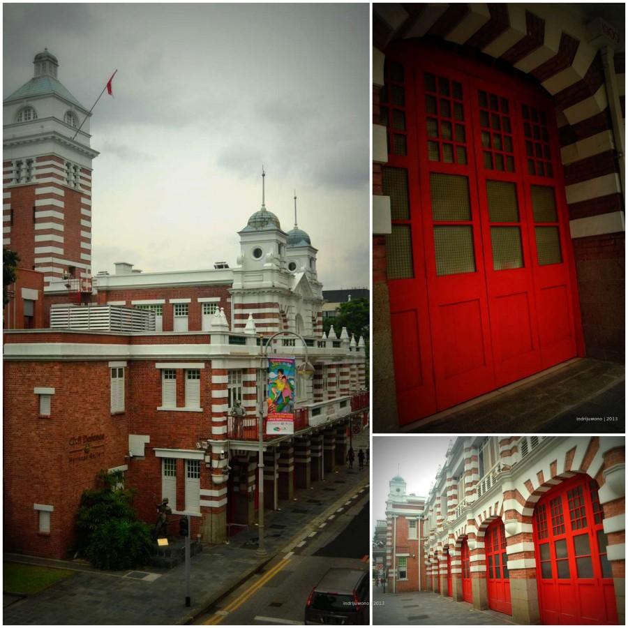 central fire station dengan pintu merahnya
