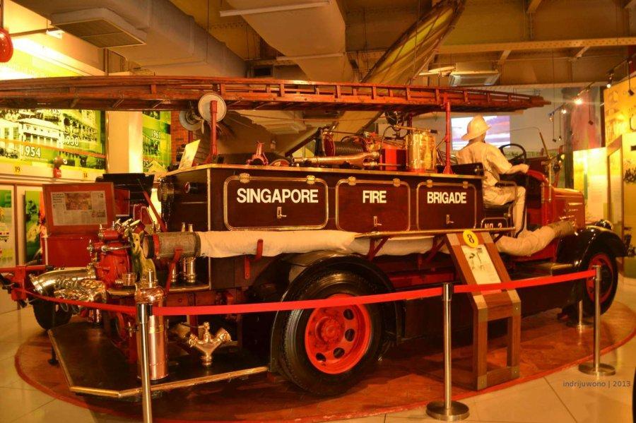 salah satu mobil pemadam kebakaran yang pernah digunakan