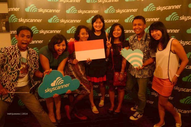indonesia full team at skyscanner party