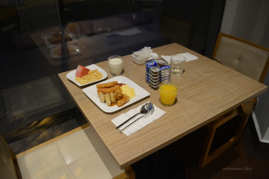 sarapanku di loose table