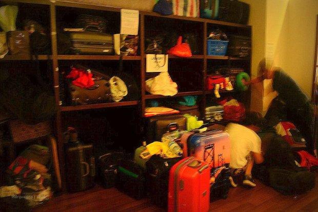 ruang penyimpanan koper