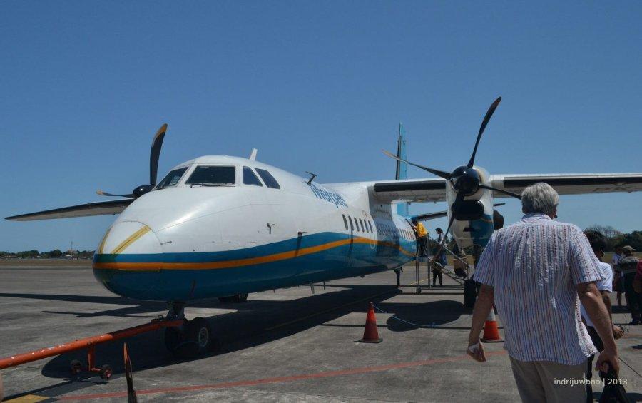 penerbangan pendek dengan pesawat baling-baling