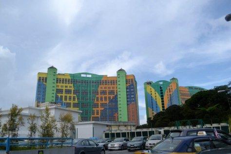 hotel first world pelangi