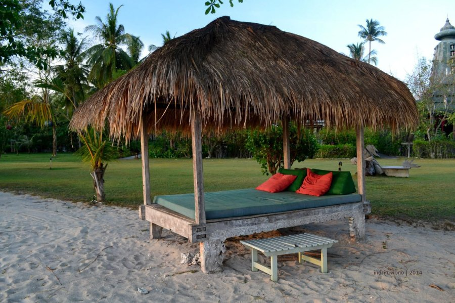 double bed beneath the beach