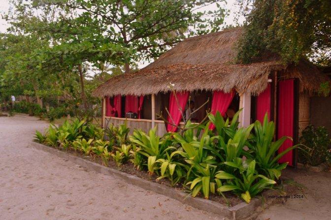 tugu hotel : pantai bermatahari hingga purnama