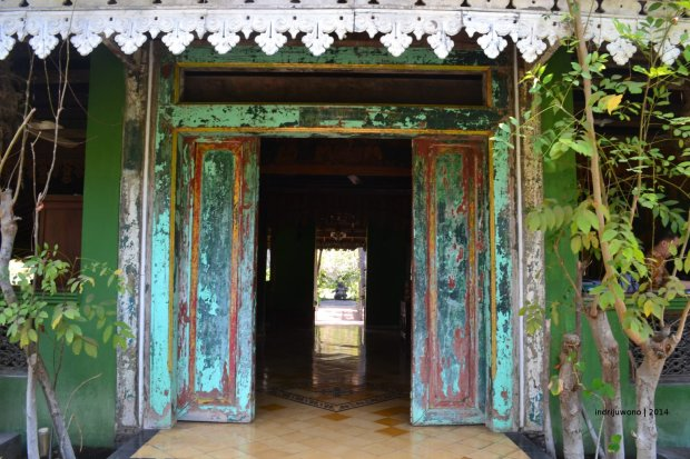 pintu lawas