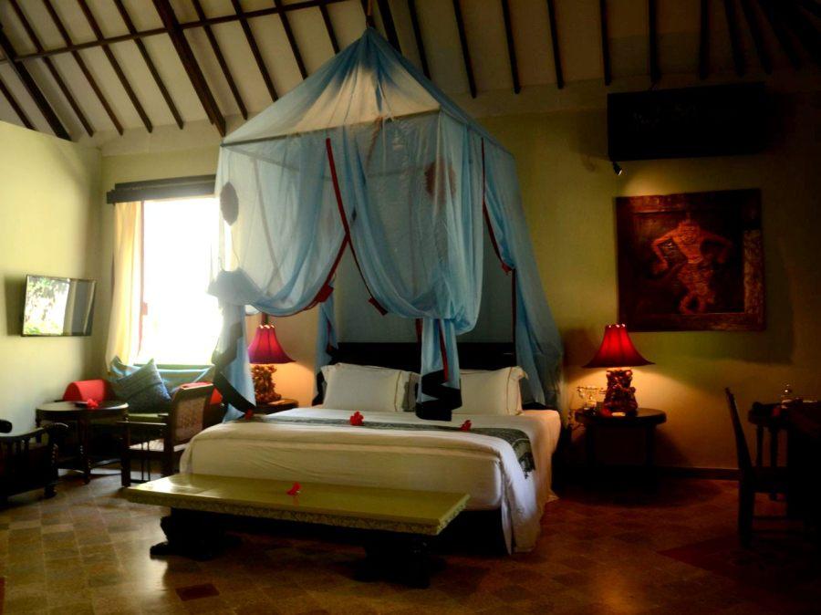 tempat tidur utama