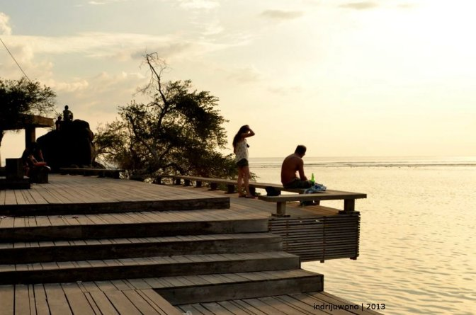 gili trawangan : living and tourism are coupled