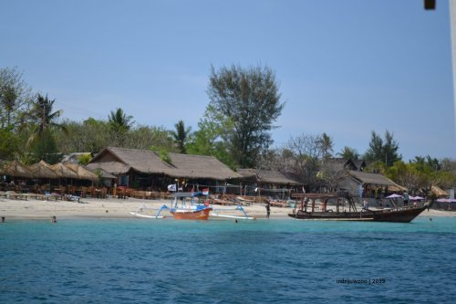 lunch at gili meno