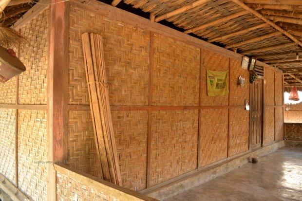 dinding dari anyaman bambu