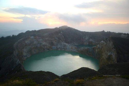 tiwu nua muri koo fai (danau untuk arwah muda mudi)