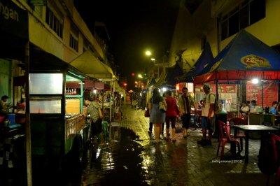 pasar semawis di malam hari