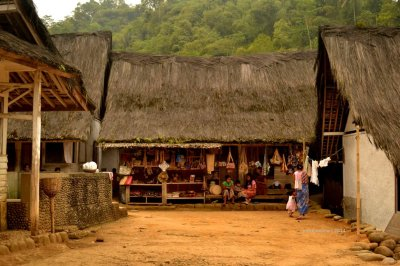 aktivitas niaga di kampung naga