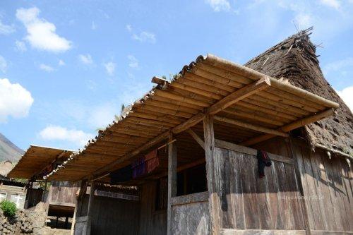 atap beranda dari bambu