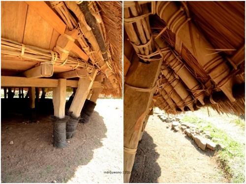 tiang-tiang penumpu yang ditanam dan dibungkus plastik dan ijuk, diikat oleh kayu kenti.