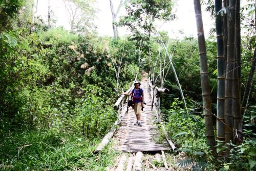 jembatan menuju wae rebo