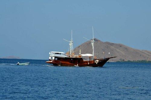 10-phinisi-sailing-komodo