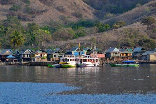 11-komodo-village