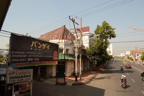 toko oen, rum & raisin yang dinanti