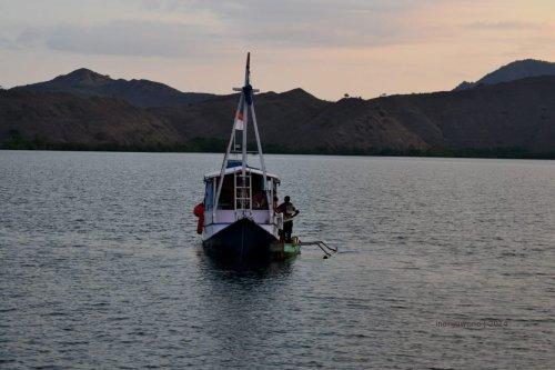 13-sailing-komodo