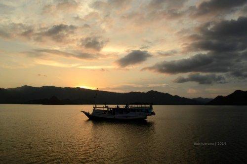 14-sailing-komodo-kalong-island
