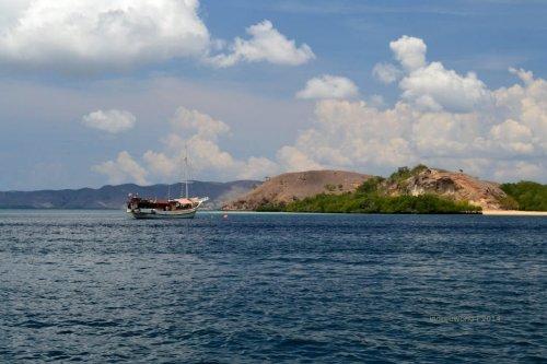 9-sailing-komodo