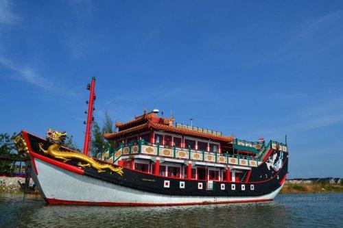 kapal golden cheng ho II