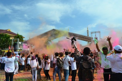 holy colour festival ketika pencanangan #WonderfulKepri