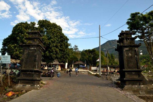 gerbang depan
