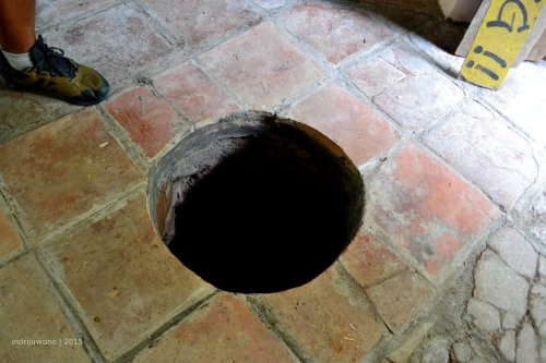 lubang candu diselundupkan