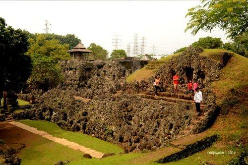 area istana batu sunyaragi