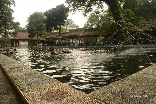 pemandian di cibulan, berenang bersama ikan