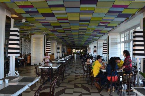 breakfast area di depan lobby