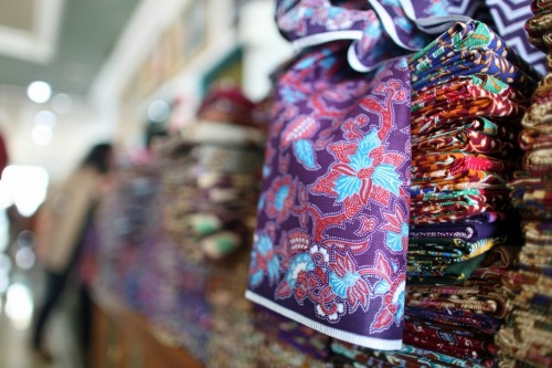 motif-motif batik (sumber : www.indonesia.travel