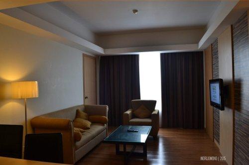 ruang duduk terpisah di junior suite