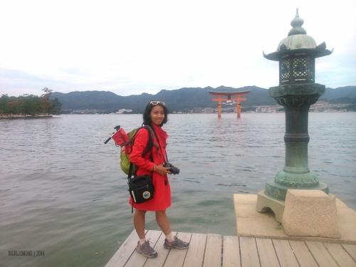 waktu jalan-jalan ke miyajima, hanya daypack saja yng dibawa