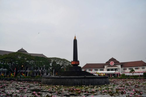 alun-alun tugu in front of government city hall