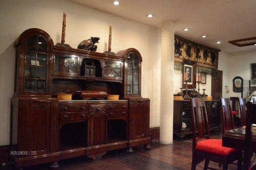 lemari antik dari cina