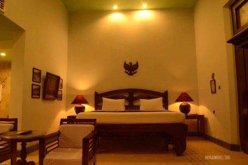 tempat tidur di kamar sang fajar